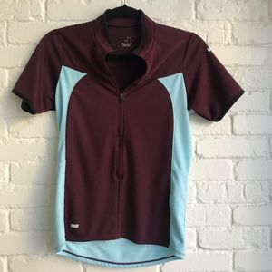 Nike medium athletic short sleeve top
